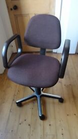 Dauphin Swivel Office Chair