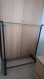 CLOTHES RACK HANGER PORTABLE