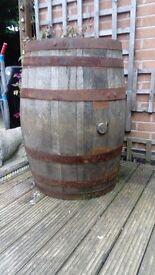 Solid Oak Wood Whiskey Barrels