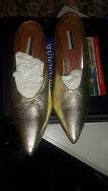 Topshop Gold shoe