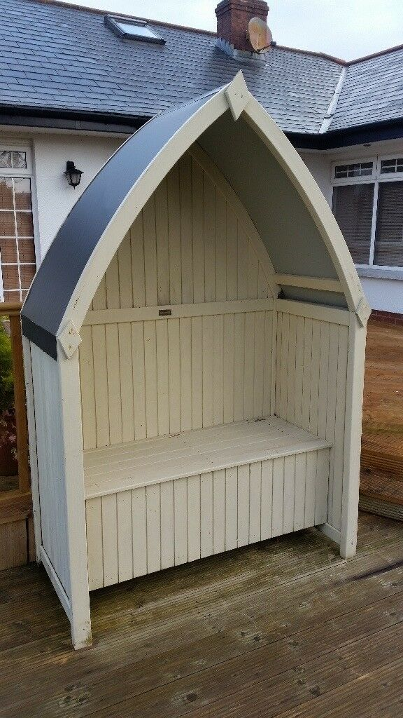 Winchester Arbour Attractive Boat Shaped Design With