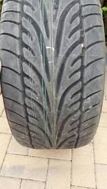 255 35 18 tyre dunlop