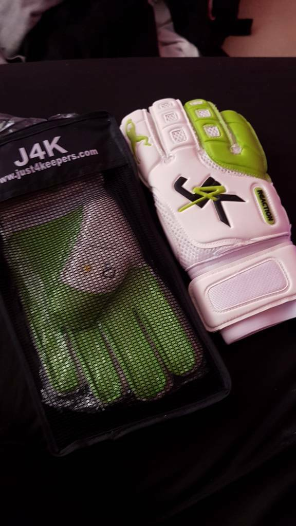 Just 4 keepers goalie gloves