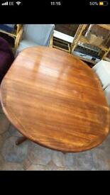 Solid oak dining table £40