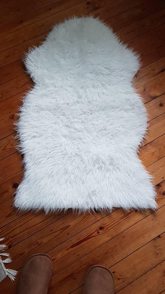 Ikea White Faux Sheepskin Fur Rug Blanket