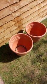 New pots x2 for sale 40cm