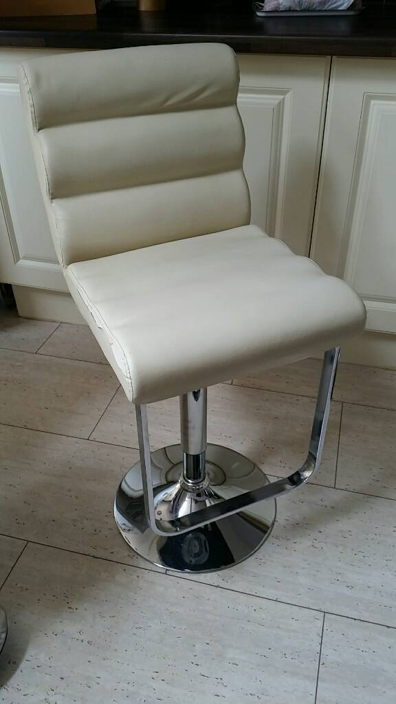 Set of six bar stools/chairs