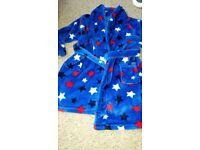 Boys Dunnes dressing gown. Age 5-6.