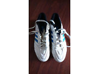 Mens Adidas size uk 7, (size US 7.5 FR 40 and half) football boots