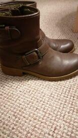 Esprit Women High Cut Boots