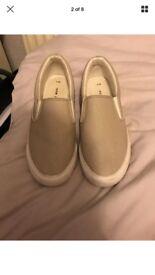 Size 5 beige pumps