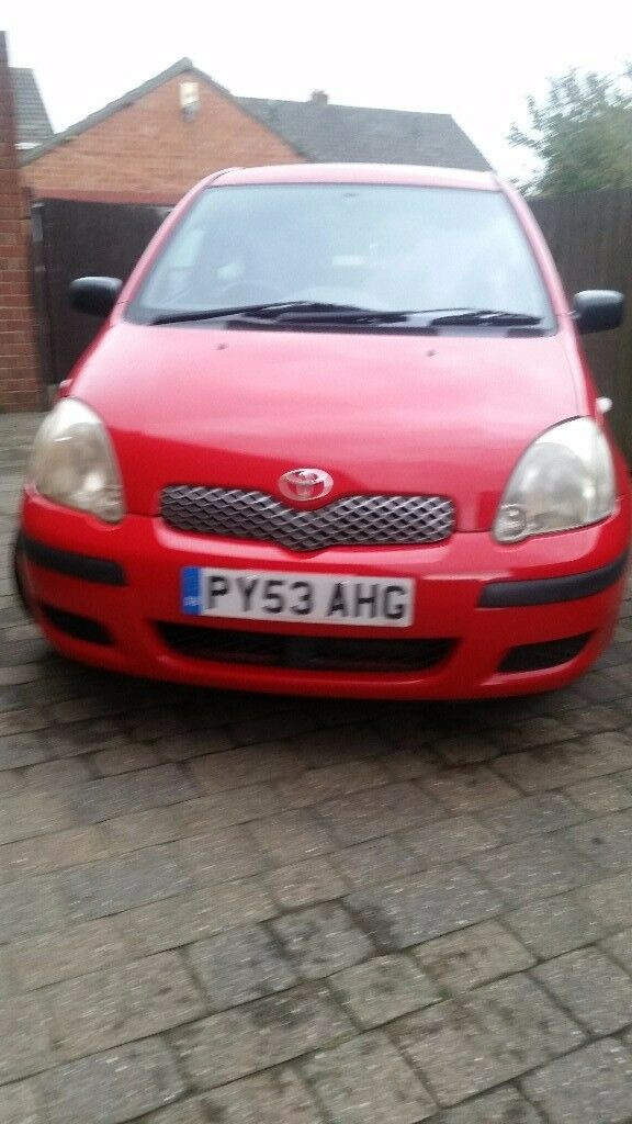 53 reg toyota yaris 1.0 t2 one owner excellent condition.