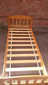 SOLID PINE SINGLE BED FRAME IN GOOD CONDITION FREE LOCAL DELIVERY