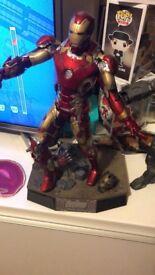URGENT Hot Toy Iron Man Mark 43 Diecast Age of Ultron