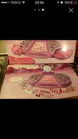 100 piece make up and bracelet set