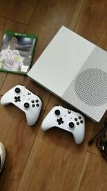 xbox one s 500gb plus fifa 18 and 2 controllers