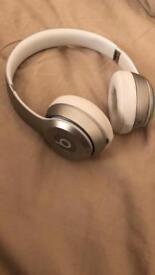 Dre Beats solo 2 wireless headphones in silver