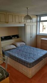@@@ Lovley double room available now@@@ cricklewood 140 for single or 160 for couple