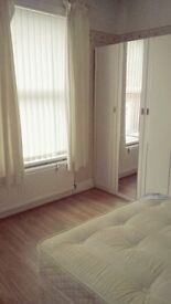 A 4 bedroom house share, Room to rent. Kelso Road, Bills included and fully Furnished
