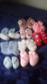 Assorted brand new baby knitted booties,birtb to 12 months