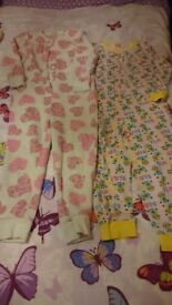 2 Onesies age 6-7. Minions & fluffy pink & white hearts. From no smoking house
