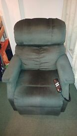 Electric rise recliner arm chair with remote RRP £800