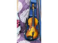 Violin 4/4 with bow and everything good gonditions nice tone
