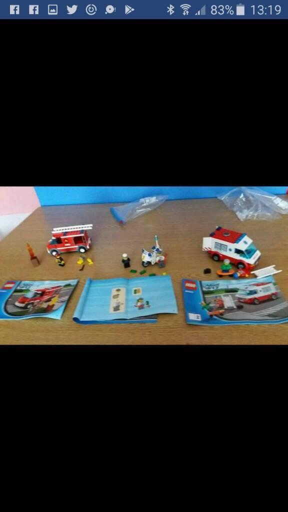 Lego City 60023 Fire Engine Ambulance Police Bike 5 Figures