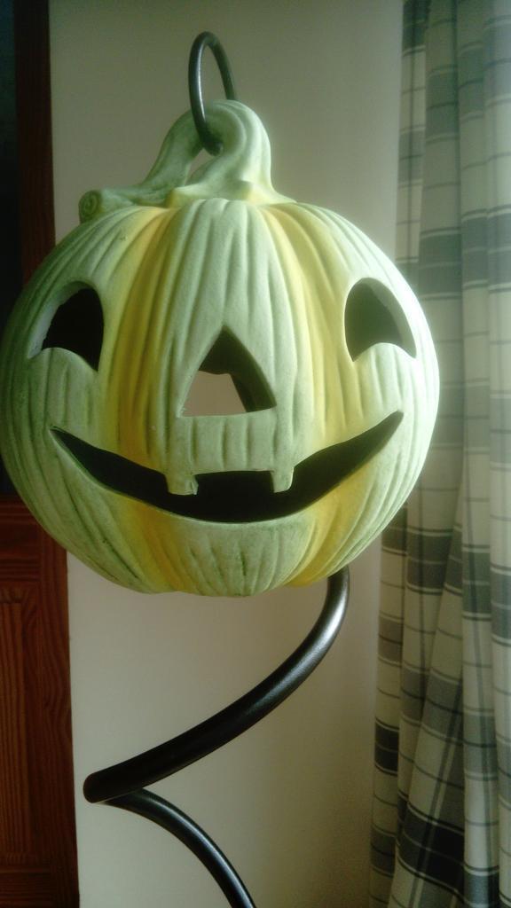 Ceramic Halloween Pumpkin Light - Decorative Stand