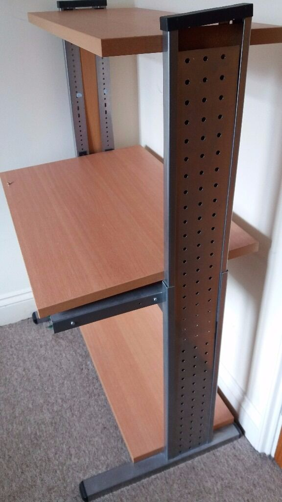 Computer deskFreein Cambridge, CambridgeshireGumtree - Computer desk free for collection! Perfect if you are trying to furnish on the cheap especially if you are a student and need a desk! Im selling as I have moved house and I dont intend on taking this with me. Up for collection ASAP!