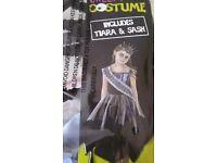 Halloween costume size 7-8 years