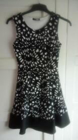 Party black & white dress, Quiz, size 8