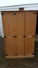 Triple wardrobe pine