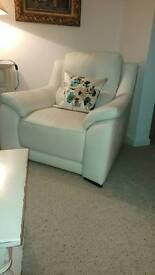 5 beautiful cushions.