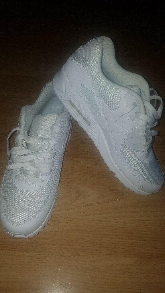 meet 295d7 724d7 GENUINE NIKE AIR MAX 90 WHITE SIZE 9 MENS ONLY WORN ONCE TOO SMALL FOR ME |  in Castleford, West Yorkshire | Gumtree