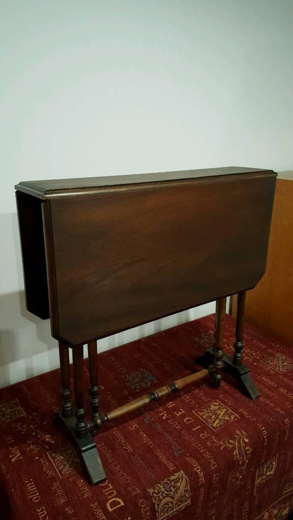 Vintage mahogany gateleg table.