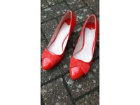 Red shoes. Size 5