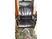 Lovely High Backed Executive Office / Computer Chair in Black Leather. Barely Used