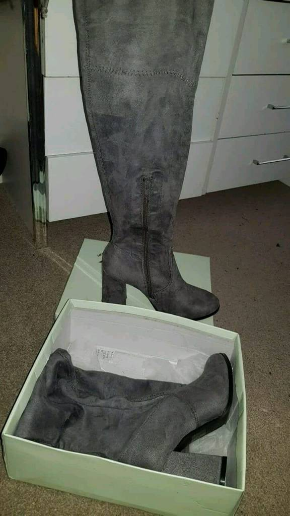 Women's Size 5 Grey FAUX Thigh High Boots