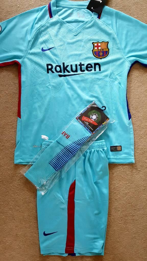 2018 BARCELONA football kit nike Messi 11-13 years tshirt+shorts