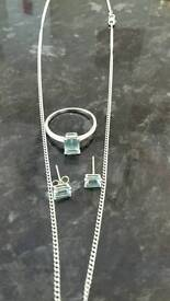 Aquamarine 18 carat white gold jewellery set (EW Adams)