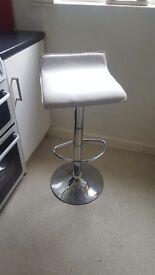 Bar stool chair white