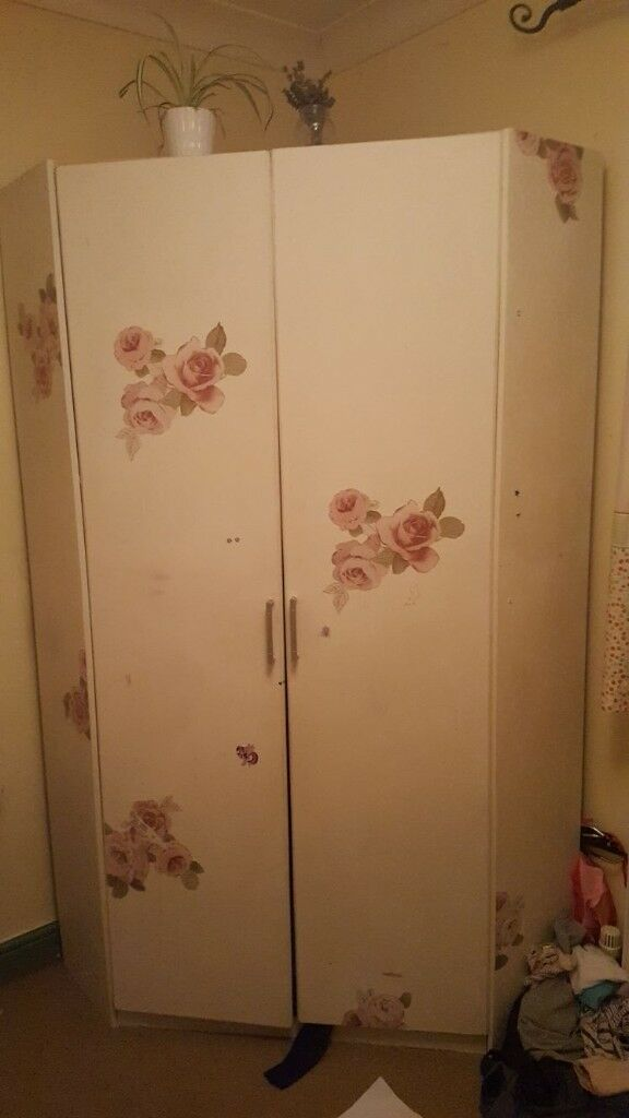 Corner Wardrobe £30