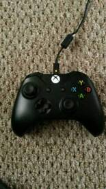 Xbox one controller 3.5 mm headphone jack with official play and charge kit £65 new