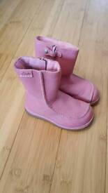 Lovely Clarks boots children's size 6F
