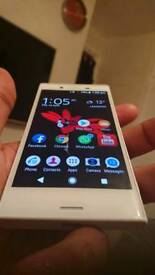 Sony Xperia X compact..white Mint condition £100