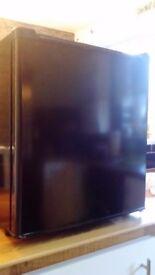 Table top fridge black