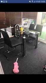 Dining table and 4 chairs mint condition