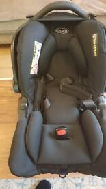 Graco Snugfix Group 0+ Car Seat - with newborn insert - excellent condition