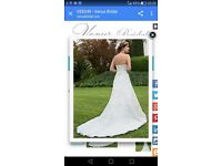 Stunning ivory lace wedding dress size 16/18 never worn must see dress .
